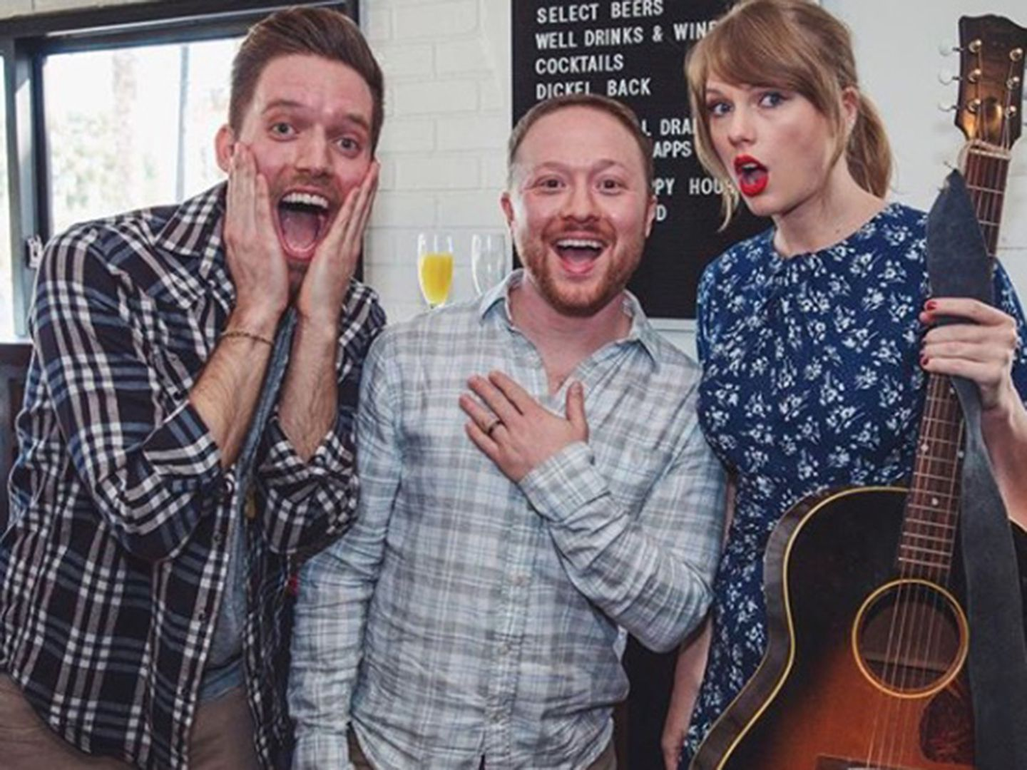 Taylor Swift Showed Up To This Emerson Grad S Engagement Party And Serenaded The Couple The Boston Globe