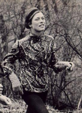 Roberta 'Bobbi' Gibb finished the 1966 Boston Marathon in 3:21:40.