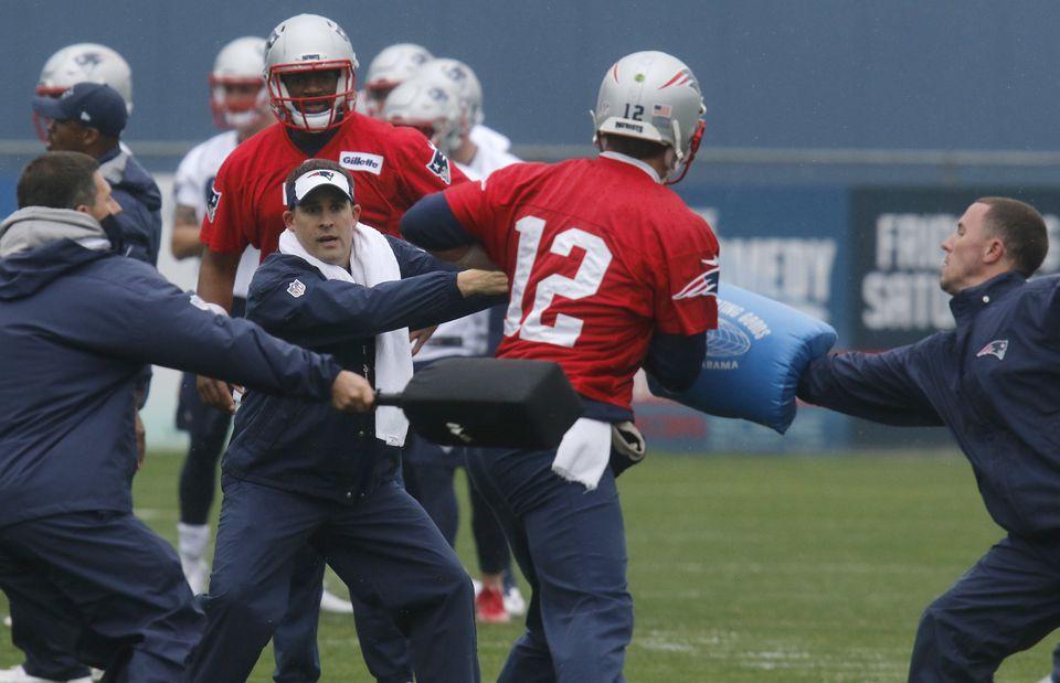 Tom Brady and the Patriots begin their offseason program this week.