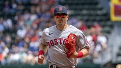 Red Sox second baseman Kike Hernandez tweaked his hamstring Thursday on a double vs. the Tigers.
