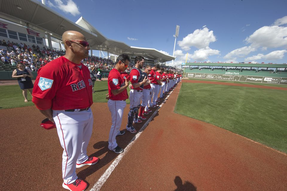Prior to their exhibition game on Saturday, the Red Sox and Yankees observed a moment of silence in honor of Nick Cafardo.