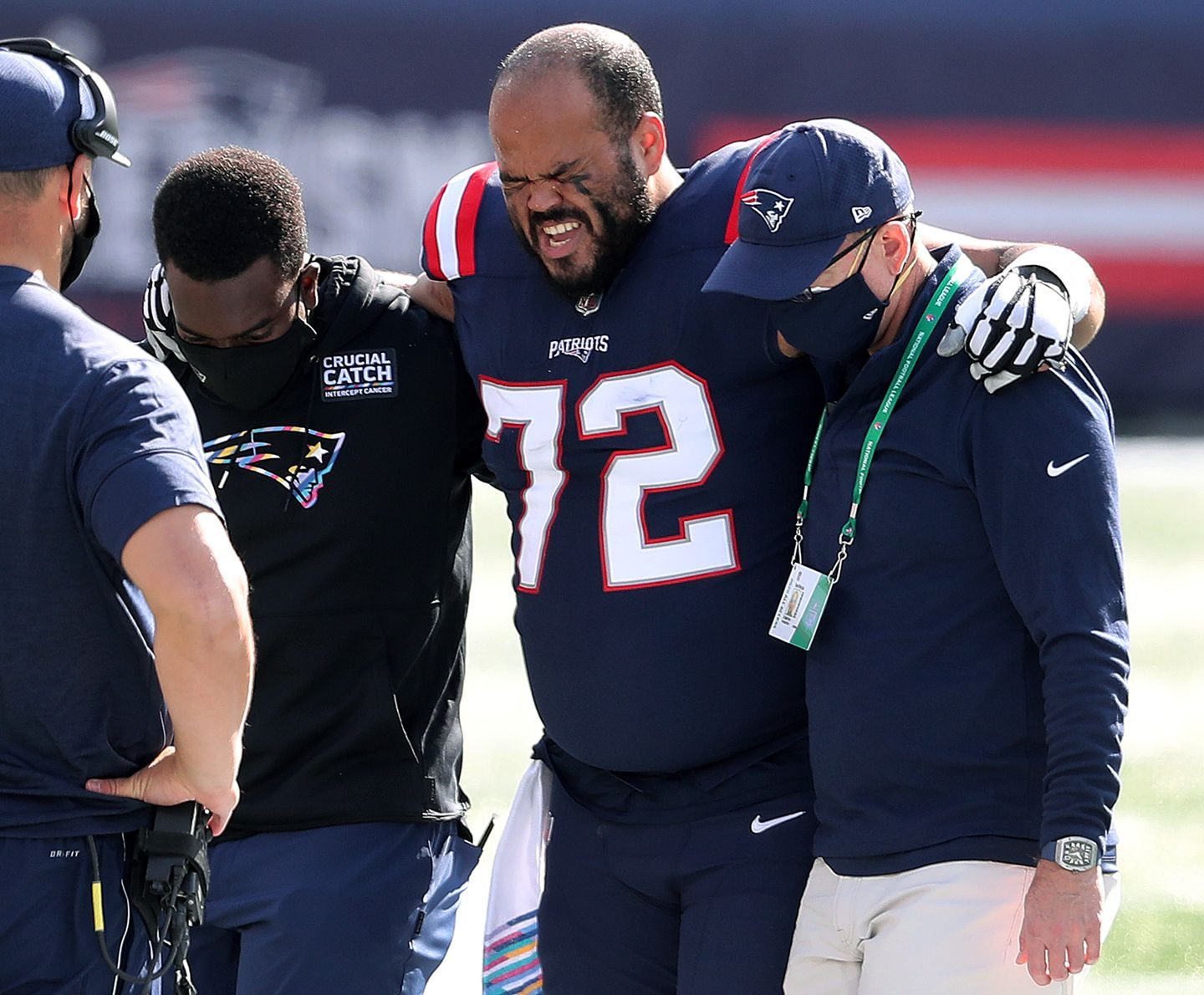 Patriots right tackle Jermaine Eluemunor out vs. Broncos with ...