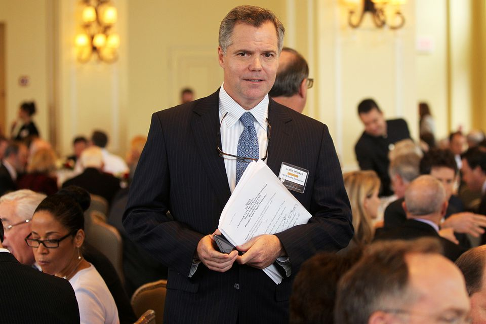 """""""I would view my own actions as inferior to the standards I hold myself to,"""" MGM chief executive Jim Murren told the gambling commission."""
