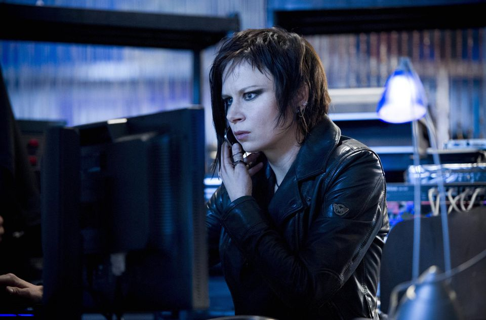 Mary Lynn Rajskub plays Chloe O'Brian.