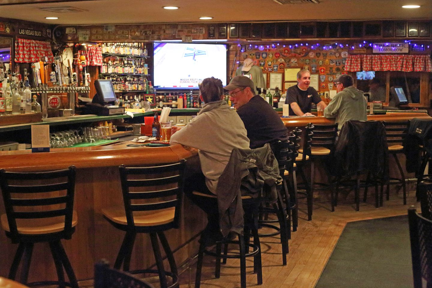 Join The Club At Homey Weymouth Pub The Boston Globe