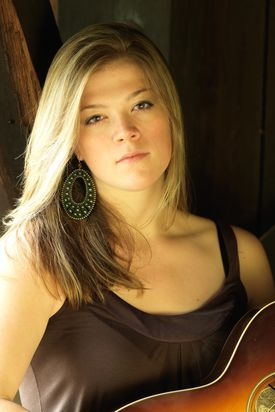 Singer-songwriter Liz Longley