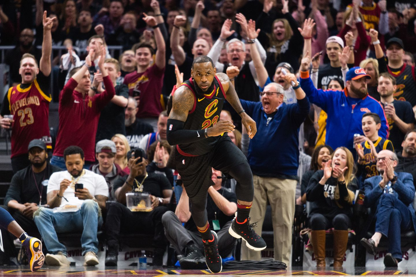 086b5be914e8 LeBron James gave the home crowd lots to cheer about as the Cavaliers  knocked of the