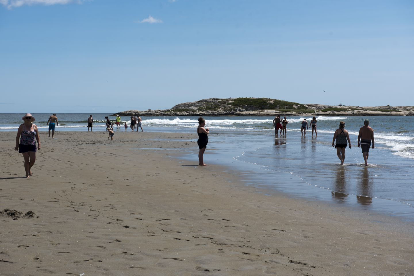 Popham Beach is bordered at its ends by the Kennebec and Morse Rivers.