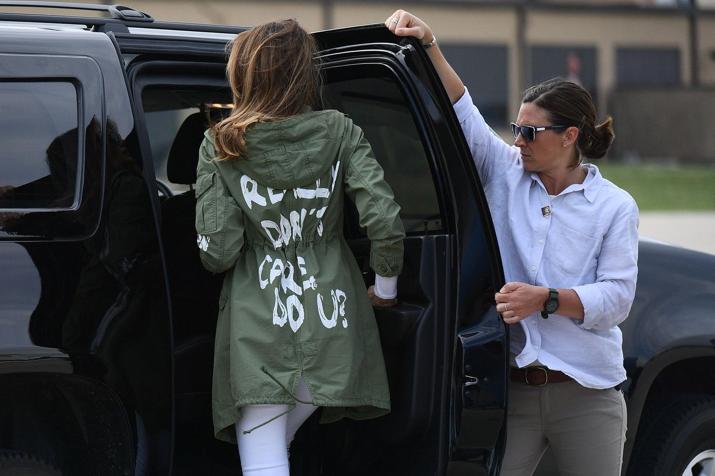 "First lady Melania Trump departs Andrews Air Force Base in Maryland June 21, 2018, wearing a jacket emblazoned with the words ""I really don't care, Do U?"" following her surprise visit with child migrants on the US-Mexico border."