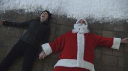 """Ellie Kemper as Pam and Rob Delaney as Jeff in """"Home Sweet Home Alone,"""" exclusively on Disney+."""
