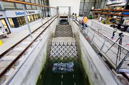 Dutch reinforce major dike as seas rise, climate changes - The Boston Globe