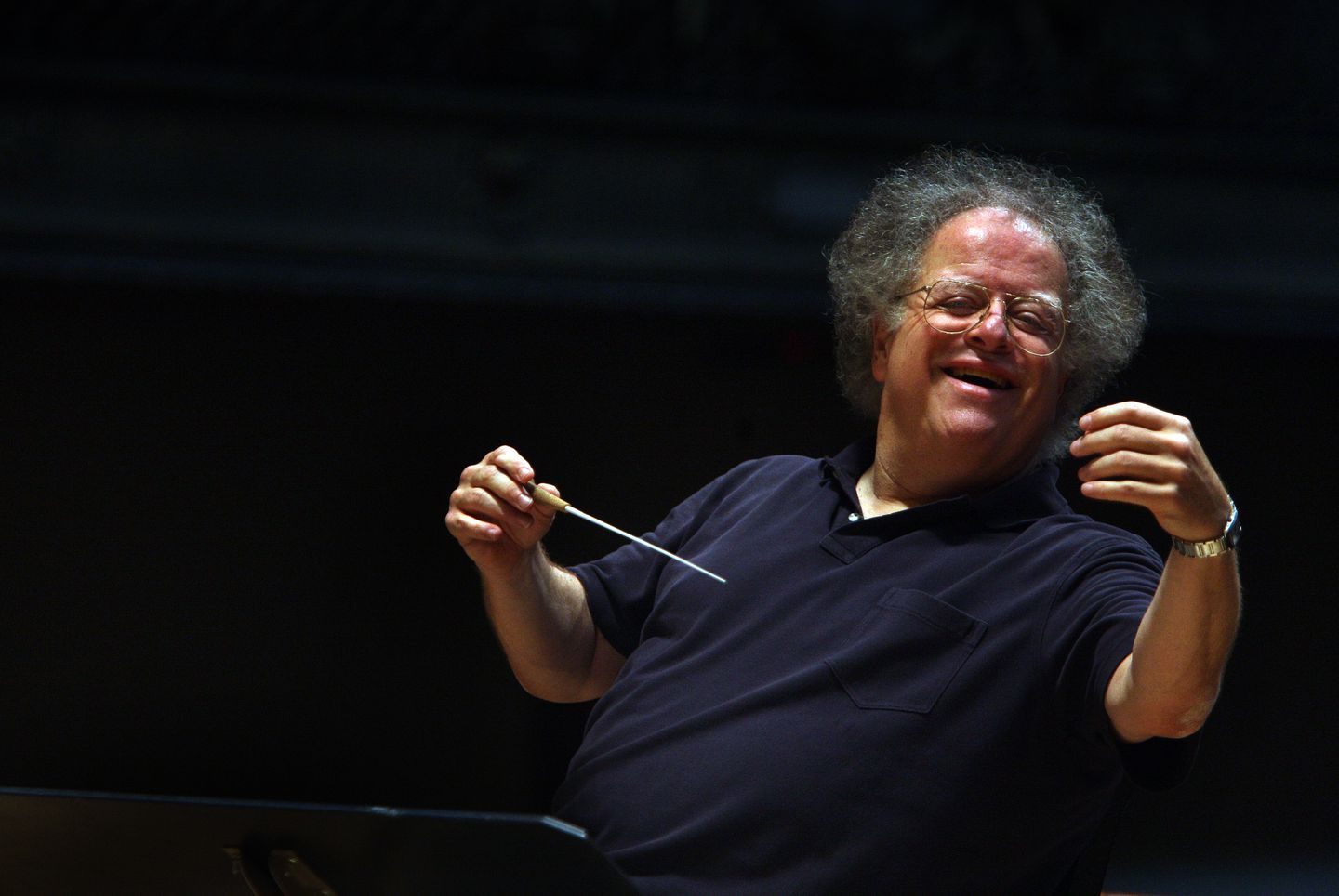 BSO music director James Levine rehearsed Mozart's Symphony 18 with the Boston Symphony Orchestra in 2009.