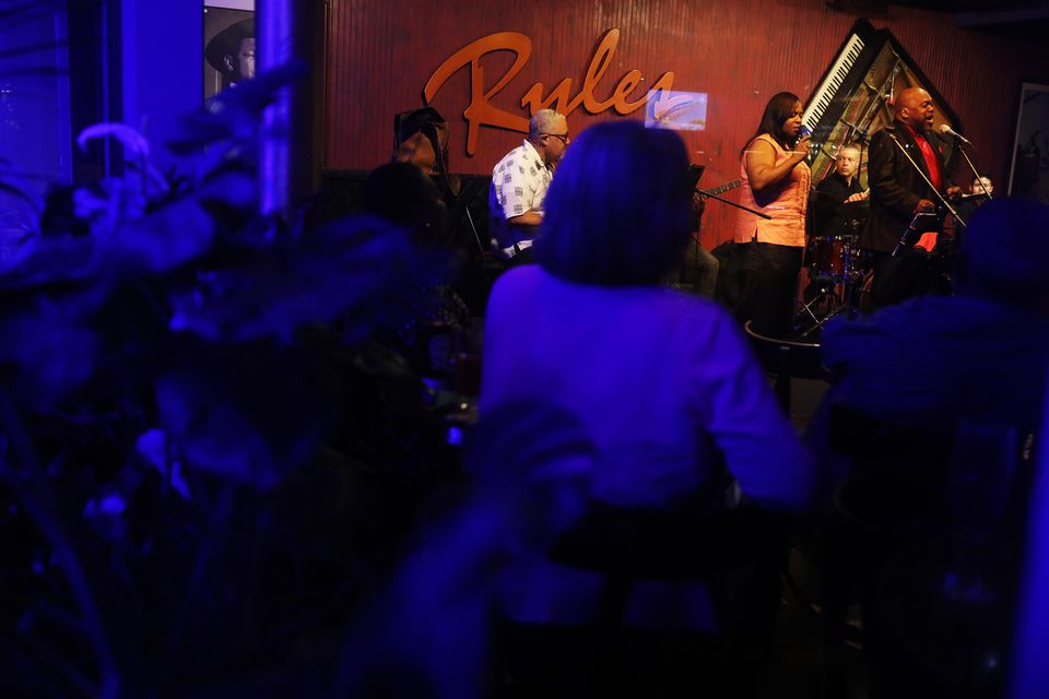 Athene Wilson and Friends Band performed at Ryles Jazz Club for the last time.