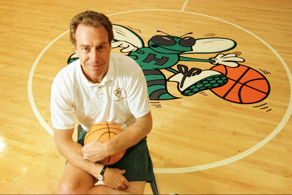 e3c9c9f1bf2a Dave Cowens didn t have a chance to work with Kobe Bryant when he was