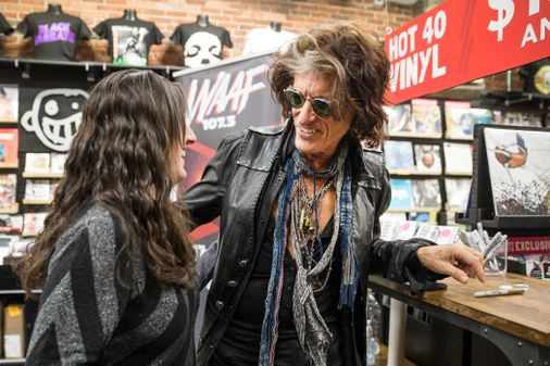 With A Little Help From His Friends Joe Perry Is Back With A Solo Album The Boston Globe