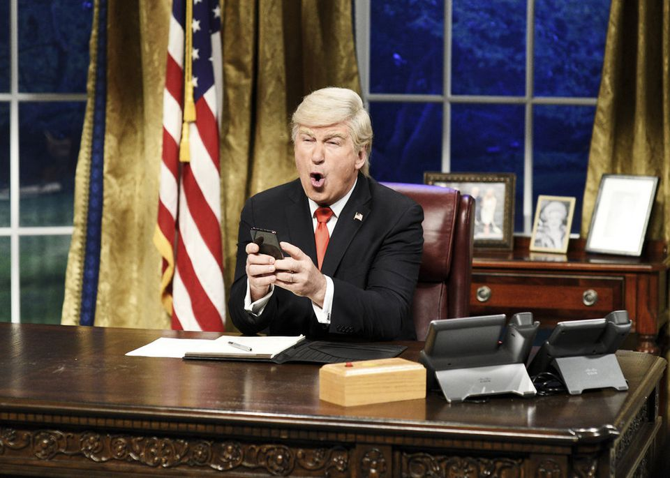 'SNL' cold open has Alec Baldwin's Trump rocking out to Queen