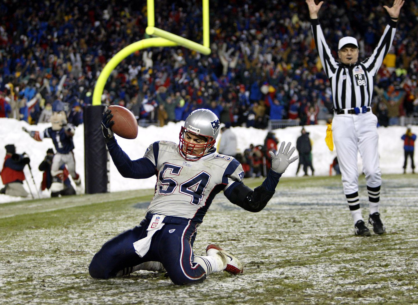 In snowy Foxborough, Patriots blank Dolphins to win division - The ...