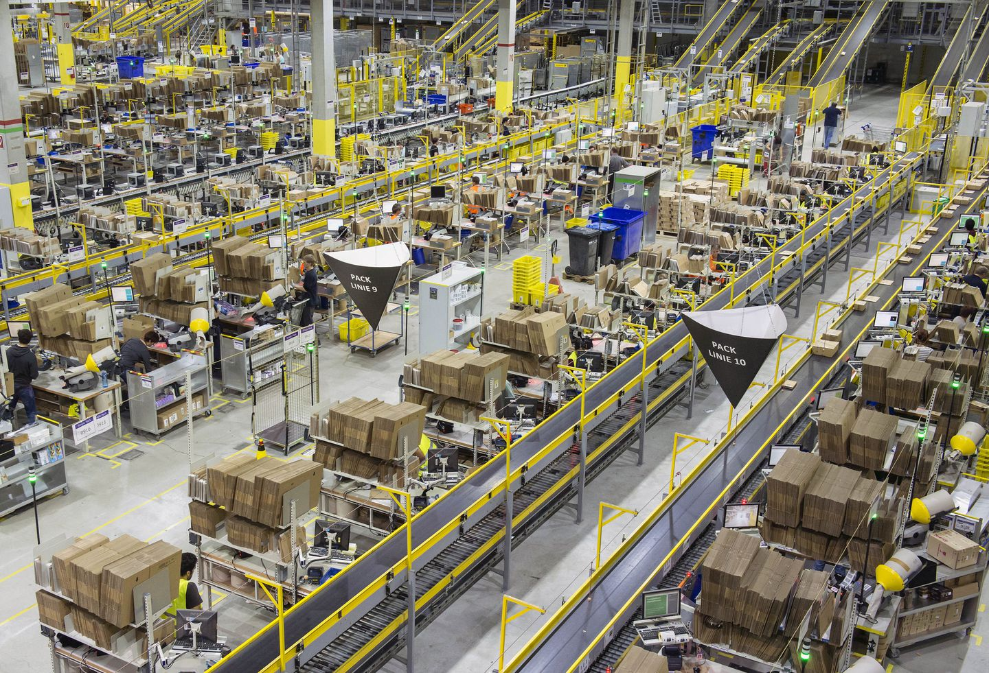 Amazon inks deal on fulfillment center in Fall River - The Boston