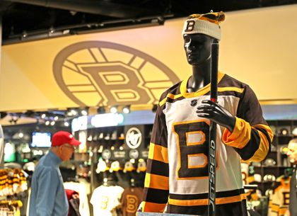 sneakers for cheap a096d 52456 Bruins unveil 2019 Winter Classic jerseys - The Boston Globe