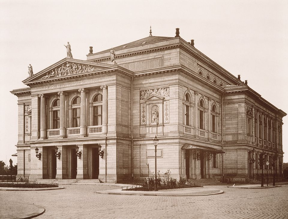 The second Leipzig Gewandhaus opened in 1884 and was destroyed during World War II.