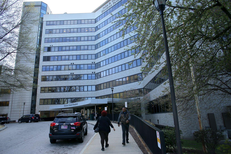 Lifespan Suspends Visits To Its R I Hospitals To Stem Coronavirus The Boston Globe
