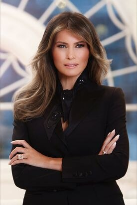 Official portrait of first lady Melania Trump.