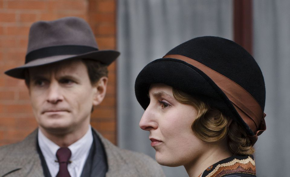Charles Edwards and Laura Carmichael.