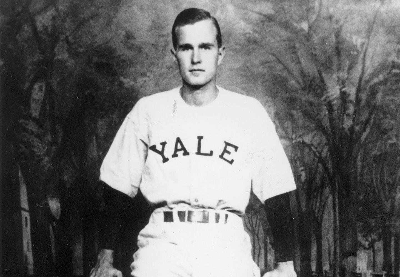 President White House 1948 George H W Bush Yale Baseball PHOTO Team Captain