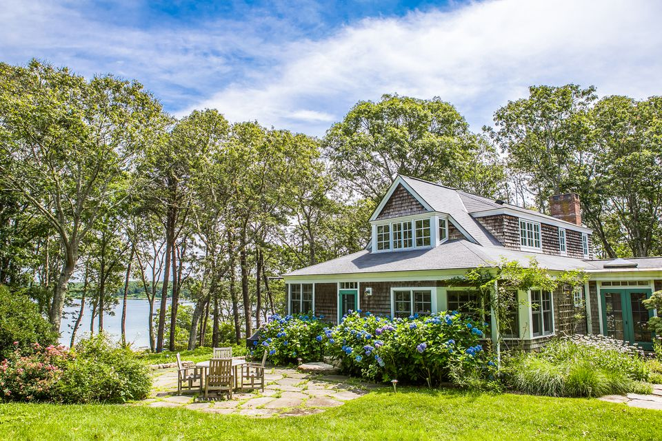 Author Judy Blume's Martha's Vineyard home has been on the market for nearly two years.