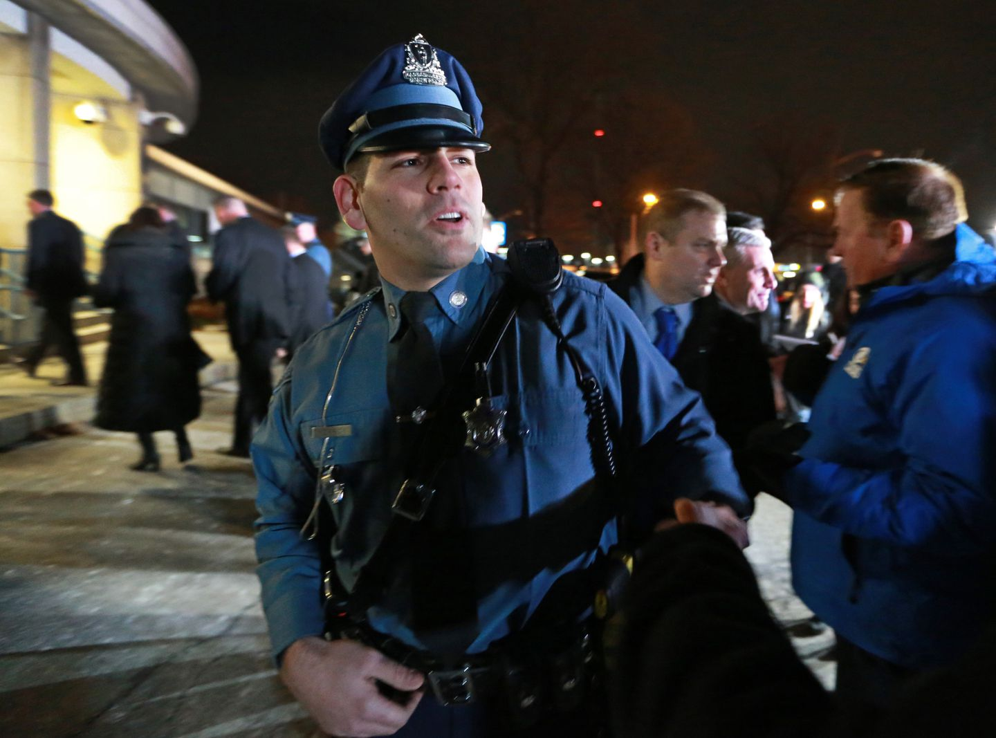 39e553a938bc Mass. trooper snares R.I. fugitive after 5-day manhunt - The Boston ...