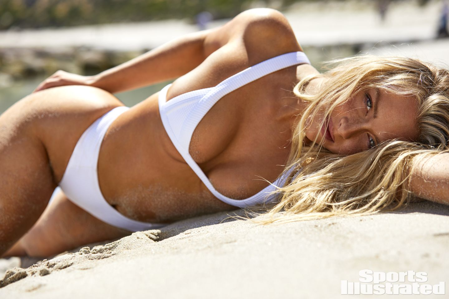 Camille Kostek Is A 2019 Sports Illustrated Swimsuit Issue Cover Model The Boston Globe