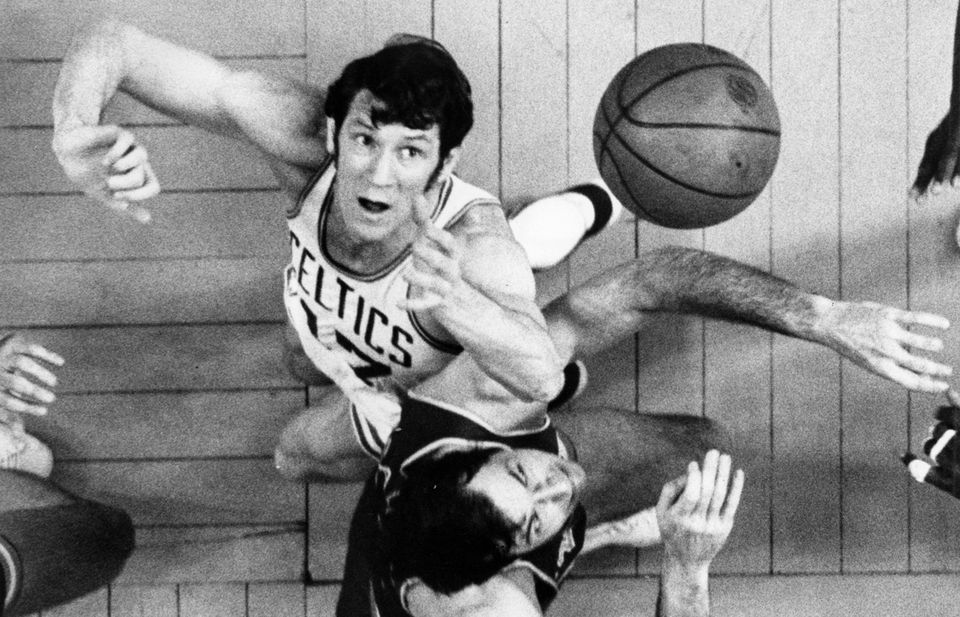 Havlicek in a 1971 game against the Knicks.