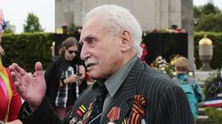 In 2015, Mr. Dushman attended a wreath-laying ceremony at the Russian War Memorial in the Tiergarten district of Berlin.