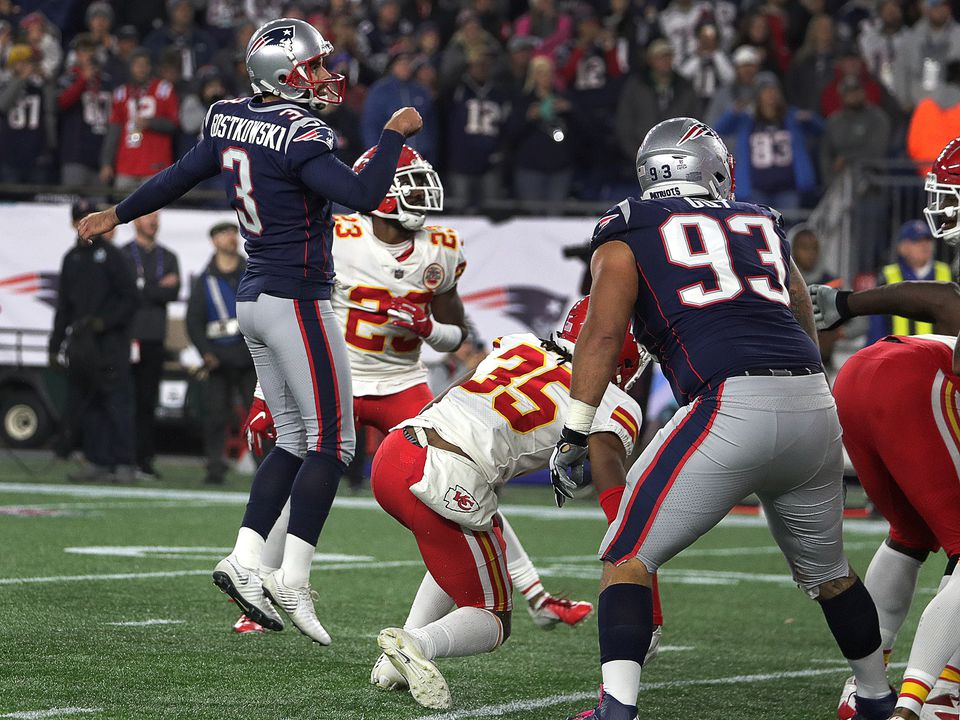 Stephen Gostkowski (3) kicks the game winning field goal for the 43-40 win. Gostkowski was 5 for 5 on the night, connecting from 48, 24, 39, 50, and 28 yards.