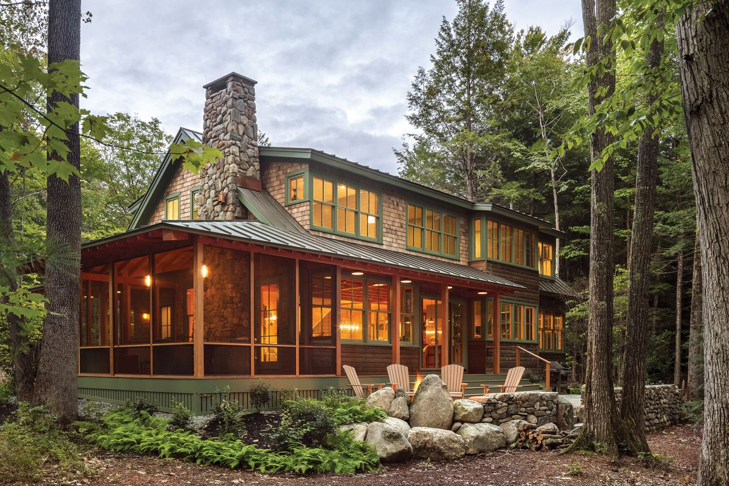 A Maine Lake House Gives Three Generations Both Togetherness And