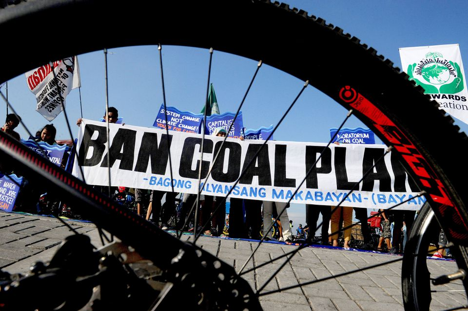 Bicylists showed solidarity Sunday for the global movement on climate change in Manila.