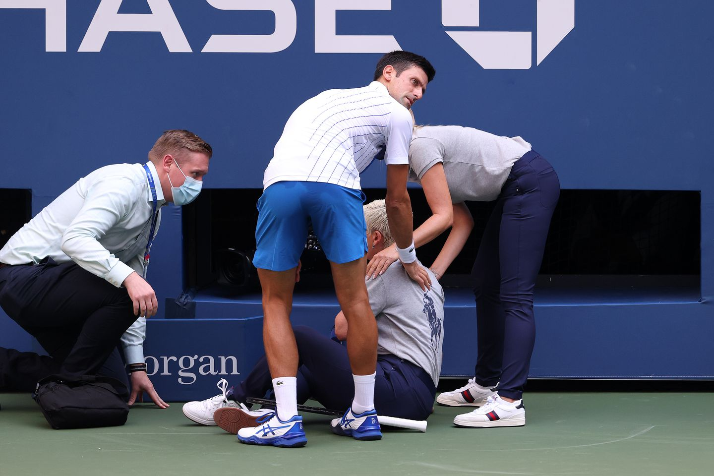 Top Seeded Novak Djokovic Out Of Us Open After Hitting Line Judge With Tennis Ball The Boston Globe