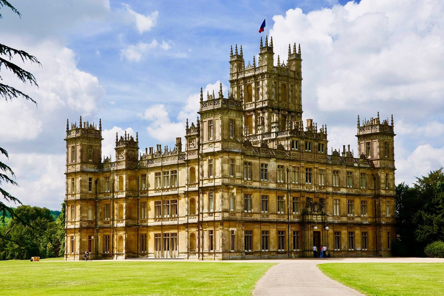 A Visit To Highclere Castle And The Wonderful World Of Downton