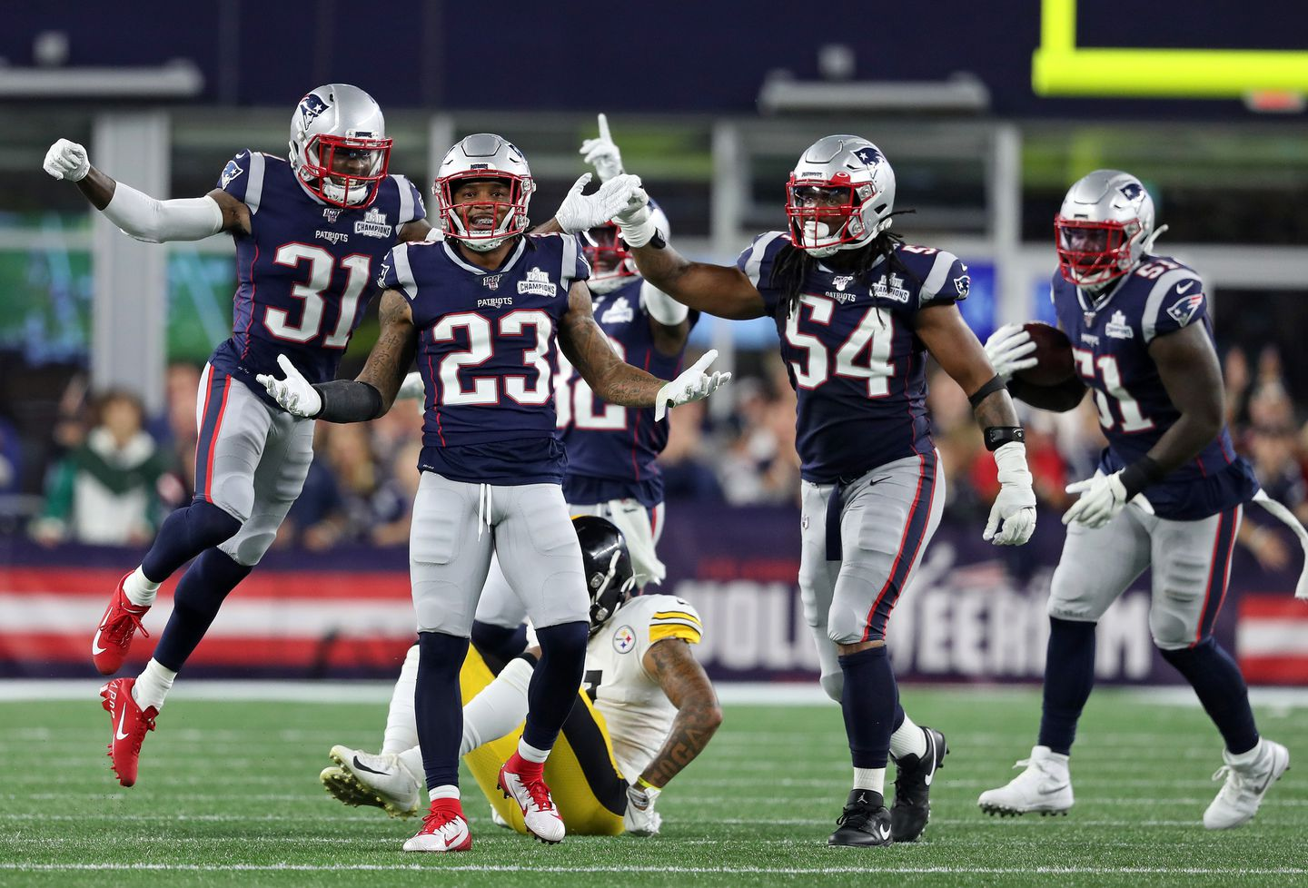 Patriots Have Everything Working In An Opening Rout Of