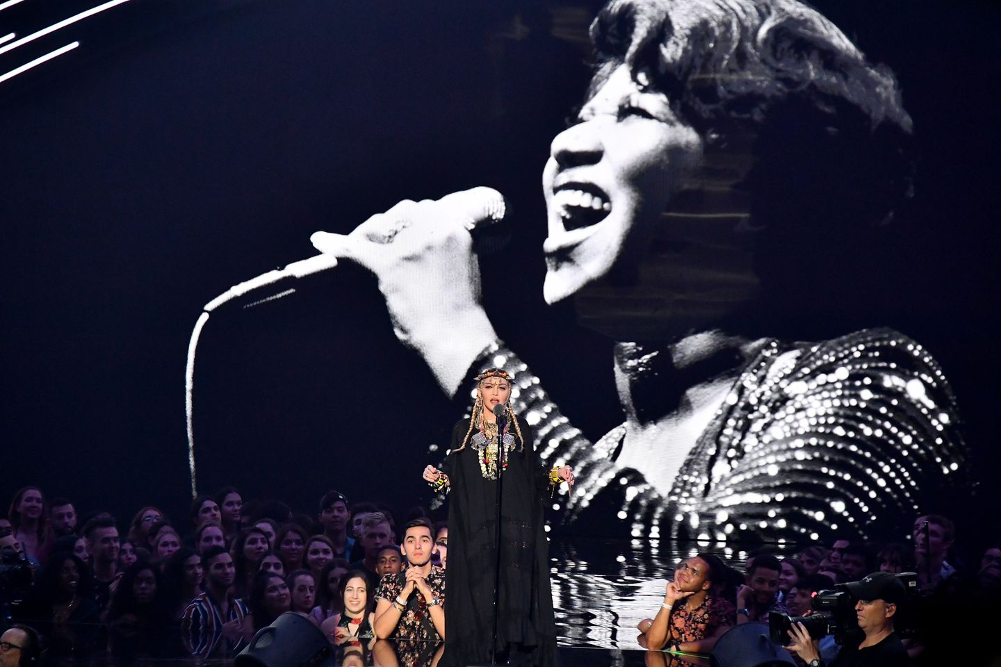 Madonna Didn T Do Right By Aretha Time To Say A Little Prayer For The Vmas The Boston Globe