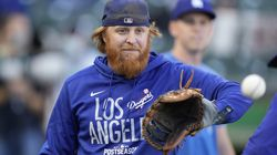 Justin Turner is not in the starting lineup for the Dodgers for Sunday's Game 2 in Atlanta.