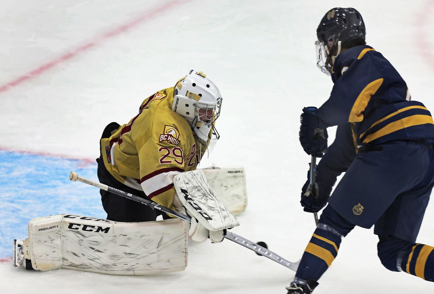 Malden Catholic And Bc High Skate To A 4 4 Tie The Boston Globe