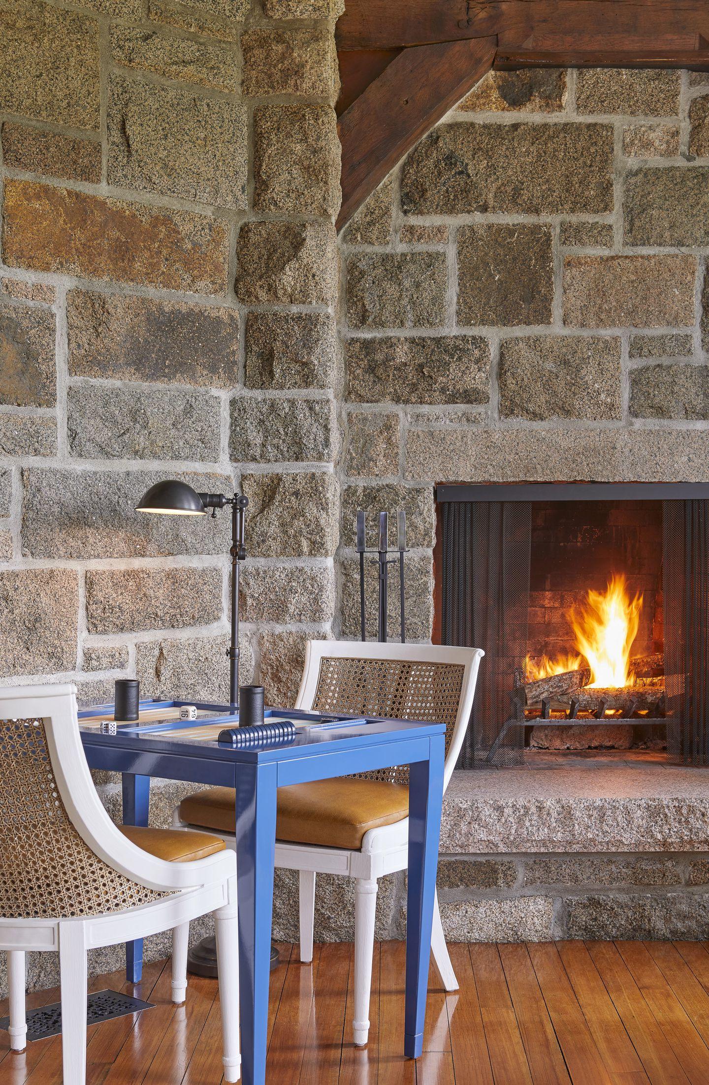 eastholm-emily-gilbert-fireplace