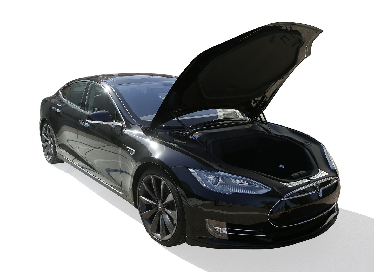 The Tesla S Has Lots Of Luggage E Under Hood Because Car