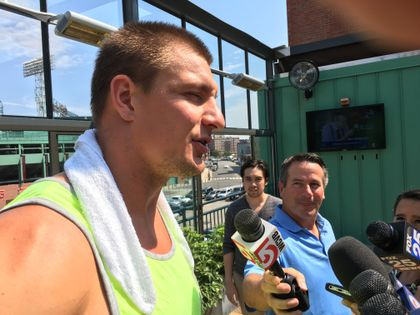 Gronk Is Ready To Build On His Chemistry With Jimmy