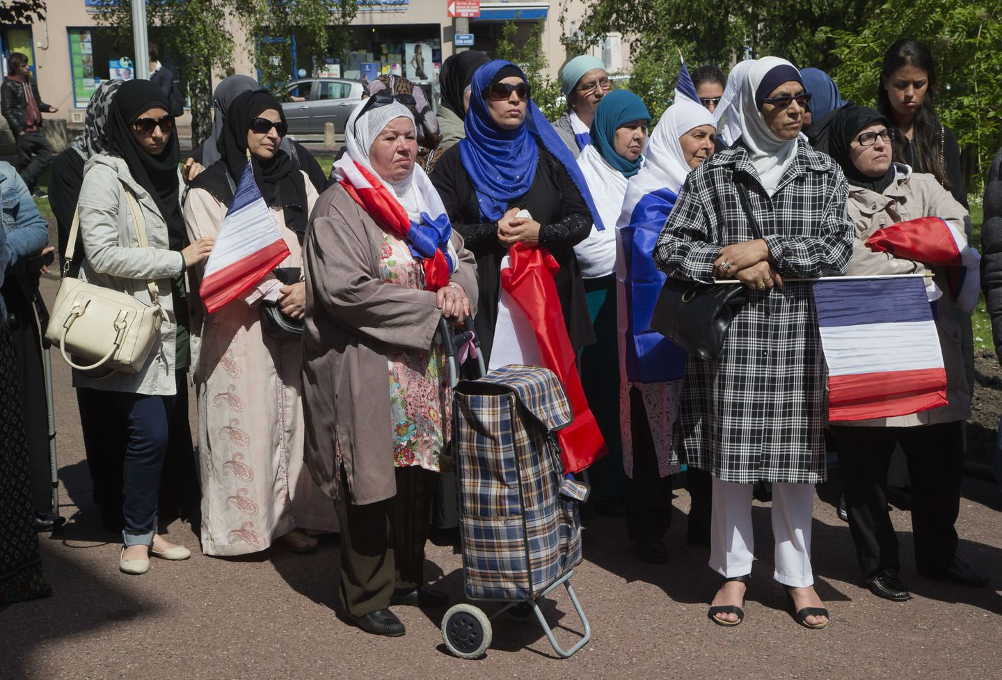 Muslim Headscarf Debate Divides France In Climate Of Hate The Boston Globe