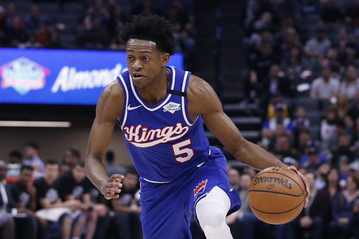 De'Aaron Fox gets max deal, possibly worth as much as $200m, to stay with Kings - The Boston Globe