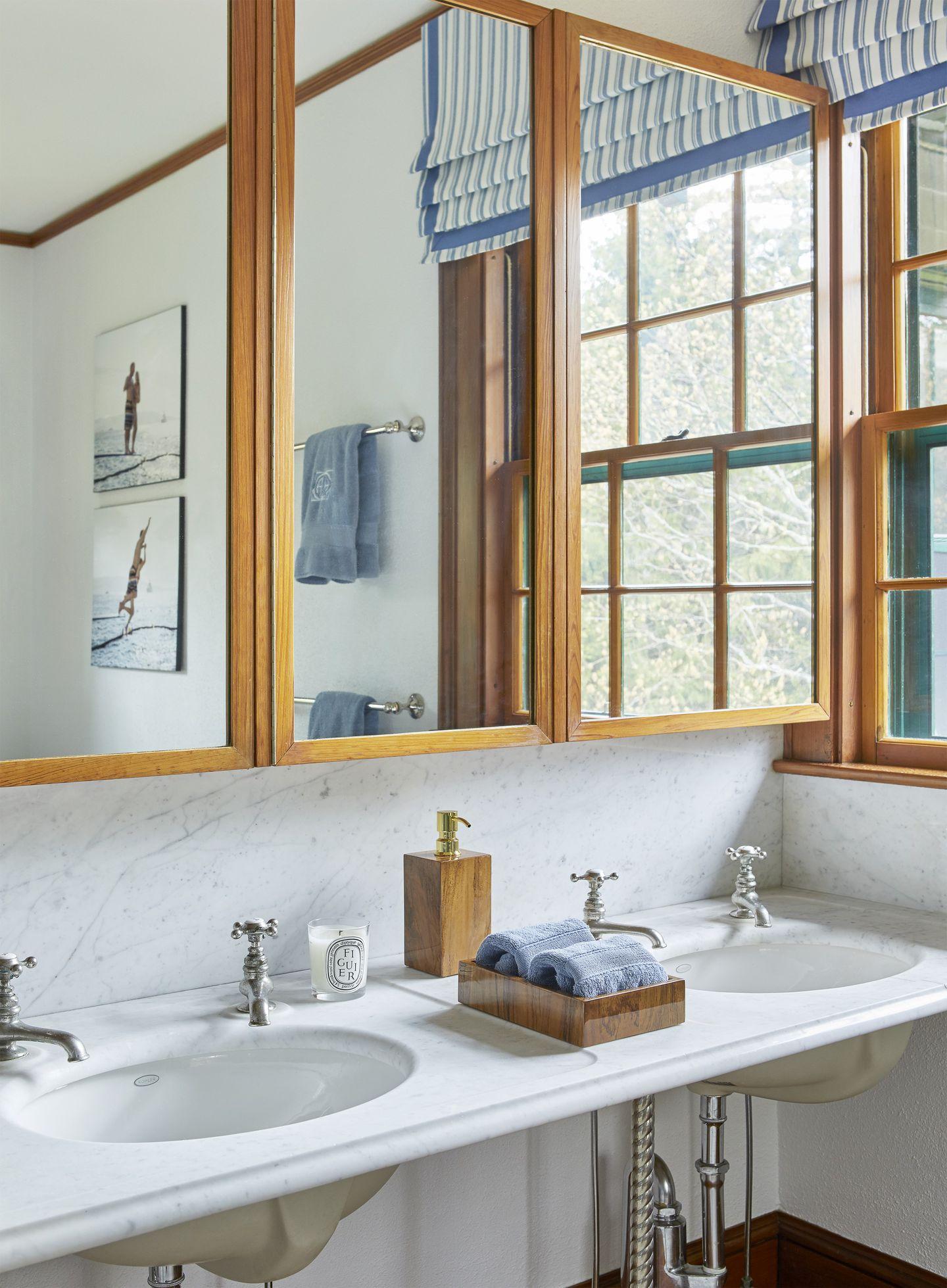 eastholm-emily-gilbert-dual-sinks