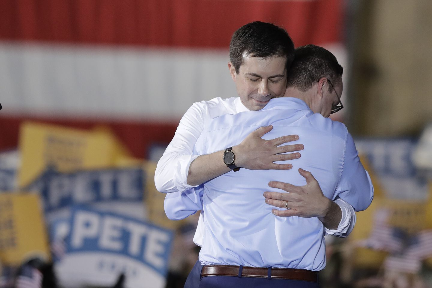 O'Rourke defends Buttigieg against anti-gay protesters in Texas