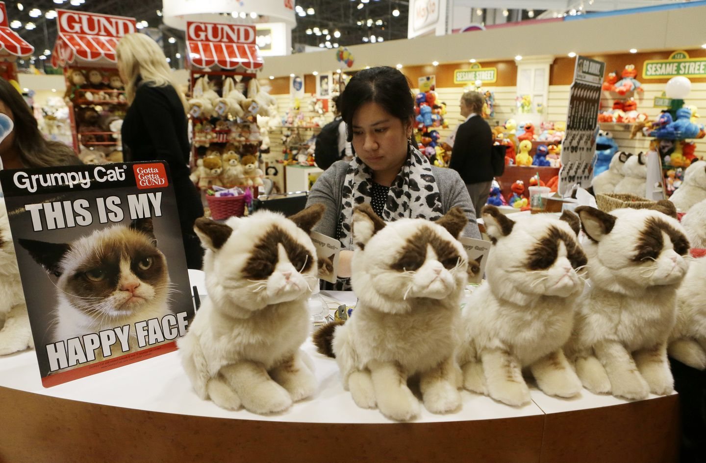 Grumpy Cat Owner Awarded Over 700 000 In Lawsuit Cat